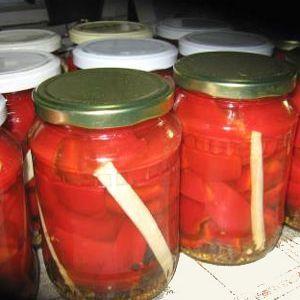Gogosari murati   Ingrediente:   80 buc gogosari rosii1 l otet250 g zahar150 g sare 4 - 5 foi de dafin    piper boabeseminte de mustar, hrean , salicil