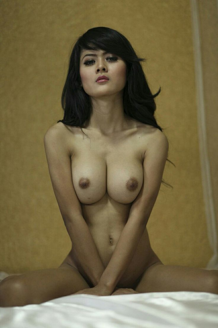 girl with red muff nude