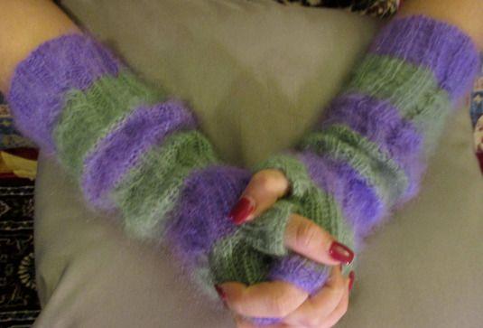 Knitted stylish fingerless gloves fingerless mittens by Milevknitting #HandmadebyMilevknitting #Mittens