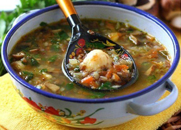 Гречневый суп с грибами и картофельными клецками.Приятного аппетита!