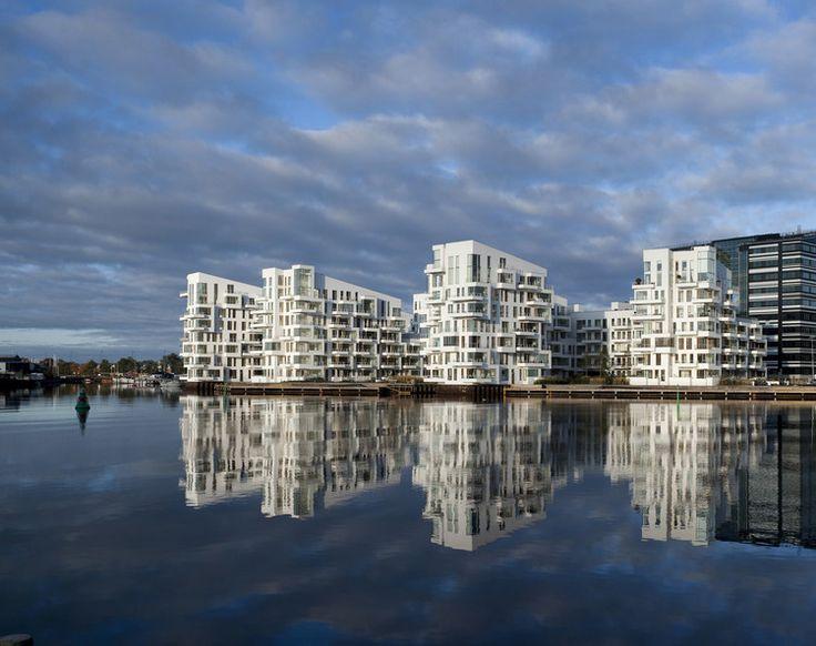 Harbour)AdamMoerk.jpg