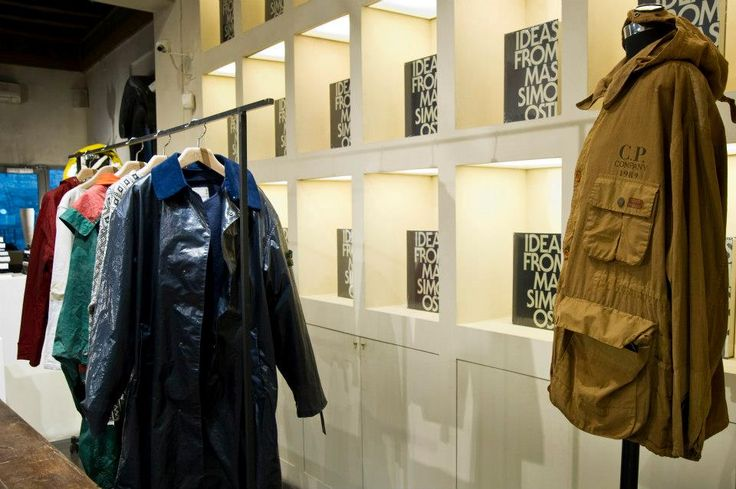 The jacket of the archive at L'Inde Le Palais, Bologna 2012