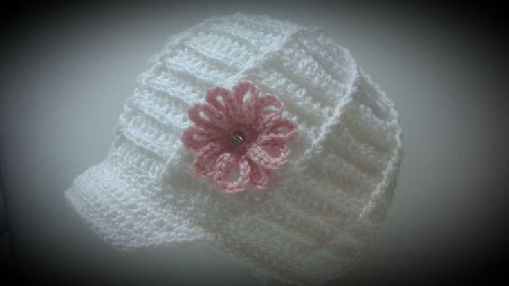 Jarní bekovka Háčkovaná ze 100% bavlny.Tato ihned k odběru pro obvod hlavinky 44-47cm.Možné uháčkovat i v jiné barvě či velikosti.Doba dodání 2 týdny.