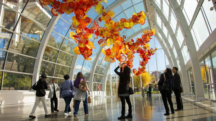 Shake off the charcoal skies and wet weather to discover colorful art, a vibrant food scene, sweeping views and more during a weekend in the Emerald City.