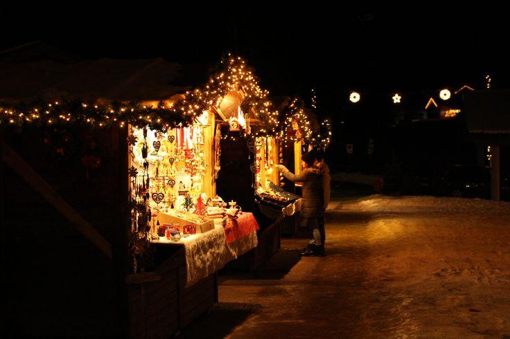 Mercatino di Natale in Val Gardena Grödner Christkindlmarkt www.valgardena.it www.facebook.com/VGardena