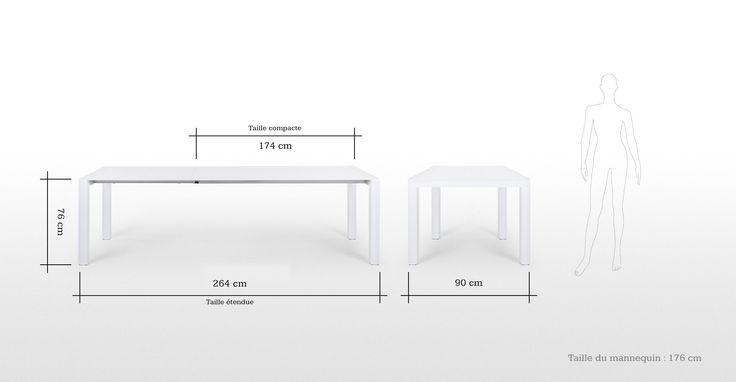 La table blanche Bramante à rallonges est d'un design minimaliste.