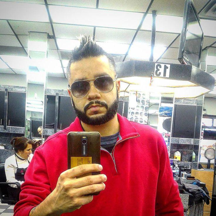 Estrenando nuevo look dejándome crecer la barba ya que en #invierno eso ayuda. #nuevoestilo #newlooks #beards #Chicago #barba #newstyle