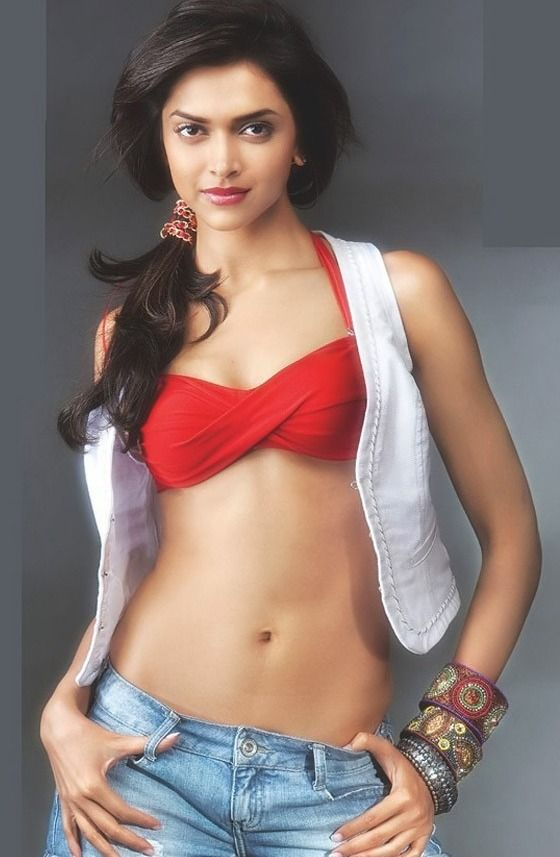 Deepika Padukone Hot Navel Show #DeepikaPadukone #Bollywood #FoundPix