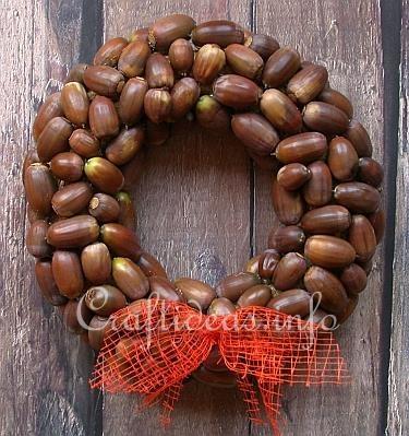 Fall / Autumn Craft - Nature Craft - Acorn Wreath