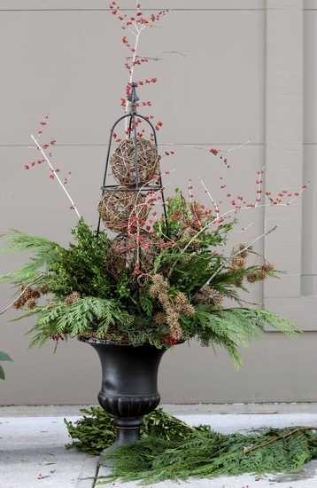 17 best images about beautiful winter planters on pinterest christmas arrangements birches - Terras arrangement ...