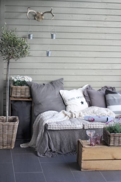 Un salon de jardin en palette, très cosy !