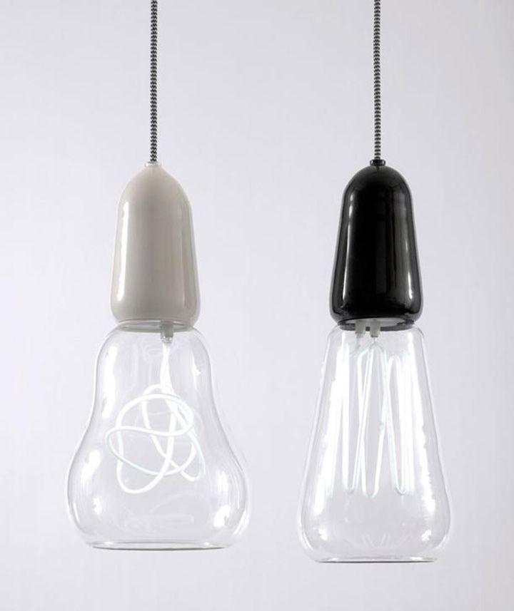 Filamentos Lámparas de Scott, Rich & Victoria. Se trata de una reinterpretación contemporánea de la mano de carbono de iluminación de filamentos de mediados del siglo XIX. Se trata de un producto en su totalidad en lugar de la bombilla Plumen solamente? Parece posible que los filamentos en las luces no está limitado.