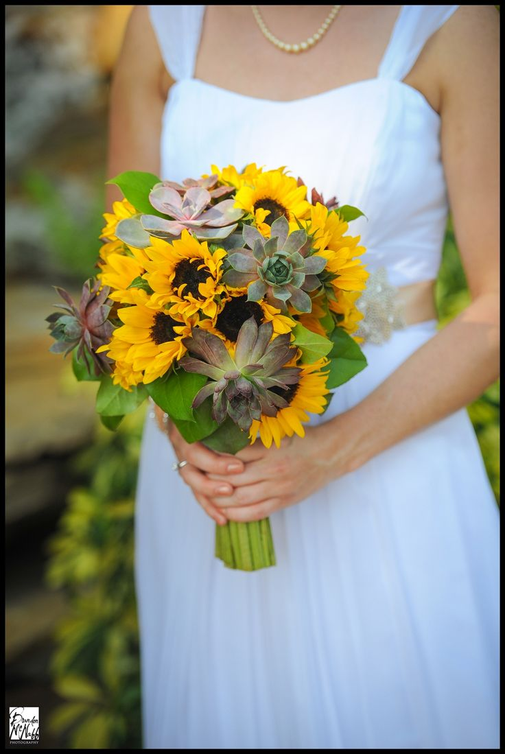 Best wedding floral arrangements images on pinterest