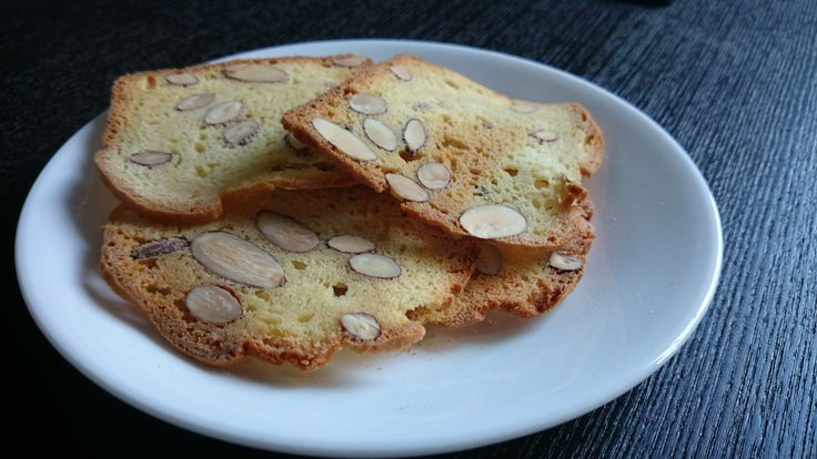 Thin and Crispy Almond Biscotti