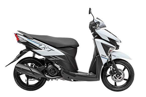 Depois de quatro anos longe do mercado Brasileiro, a Yamaha relançou o modelo Neo, que agora tem motor 125 cc e preço de R$ 7.990.  Totalmente renovada, a Yamaha Neo agora vem com motor de 125 cc de quatro tempos e injeção eletrônica, que gera 9,8 cv a 8.000 rpm e 0,98 kgfm. O câmbio é automático CVT.