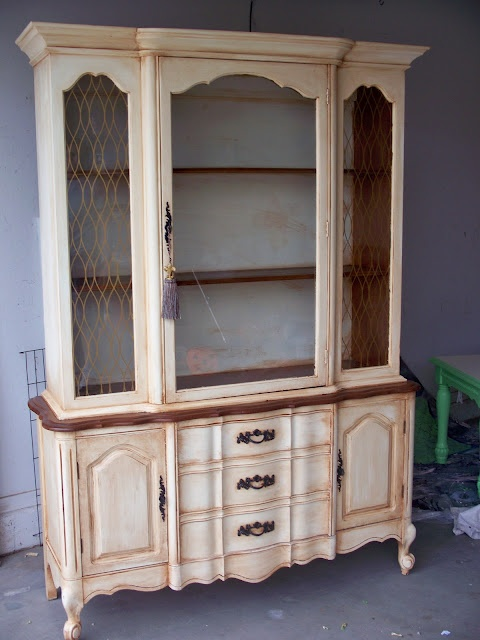 Painted China Cabinet: French Provincial, Provincial Hutch, French Hutch, Chalk Paintings Hutch, Chalk Paintings China Hutch, Paintings China Cabinets, Chalk Paintings Bookca, China Cabinets Redo, Crafty Woman