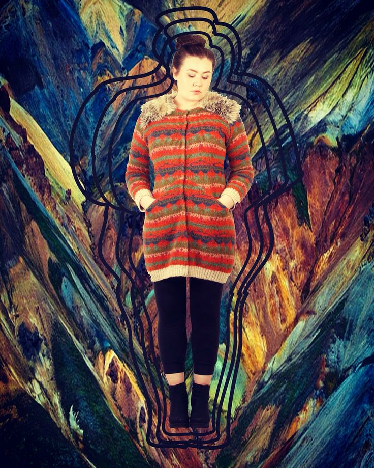 Sweater jacket in Icelandic wool with faux fur on the shoulders and back. It is cut angled from mid-front  to side seam. In the seam i placed pockets. #bybarabara Facebook-barabara