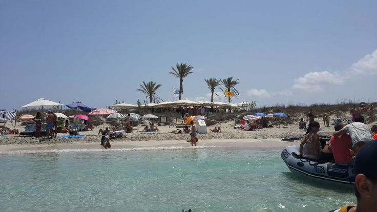 Not only is the vibe amazing the views are amazing as well! shimmybeachclub.com