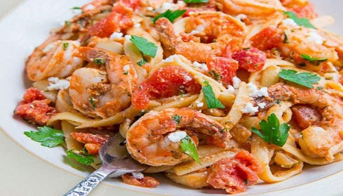 Γαρίδες+σαγανάκι+με+λιγκουίνι