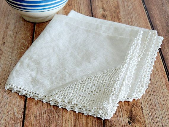 SET of 4 vintage white linen napkins with crotchet edging