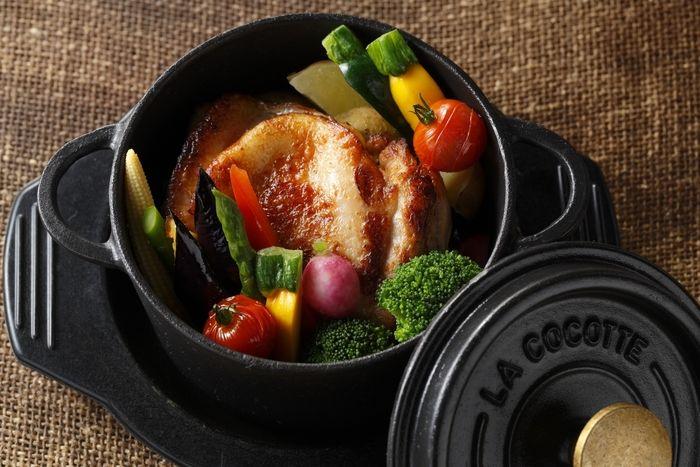 ダッチオーブンで調理すれば、野菜は甘みが増し、お肉はふっくらジューシーに!料理のレパートリーが増えること間違いなしです♪