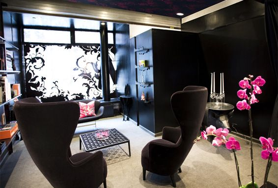 Interior design edgy fashion rebellious punk rocker for Edgy living room ideas