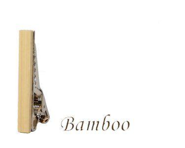Bamboe, Deze stijlvolle houten dasspeld is er zeker om indruk te maken. Elk speld is handgemaakt uit het (rest)hout van de van de fraaie houtsoorten. Laat zien dat u smaak heeft voor zowel vakmanschap als de schoonheid van de natuur. Alle spelden zijn met de hand gepolijst waardoor het warme en mooie hout goed tot zijn recht komt.