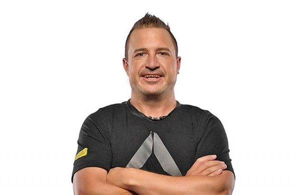 10 Questions For: Elan Lohmann   Meet the man behind the 30-day Reboot Challenge – Elan Lohmann, Founder and CEO of SleekGeek SA. SleekGeek SA is a social community that activates, motivates and supports its members to achieve their healthy lifestyle goals, one rep at a time.   http://www.capetownmagazine.com/10-questions/10-questions-for-elan-lohmann/201_22_19808