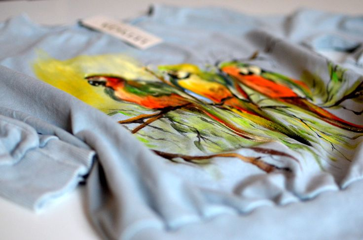 Bluza z papugami.