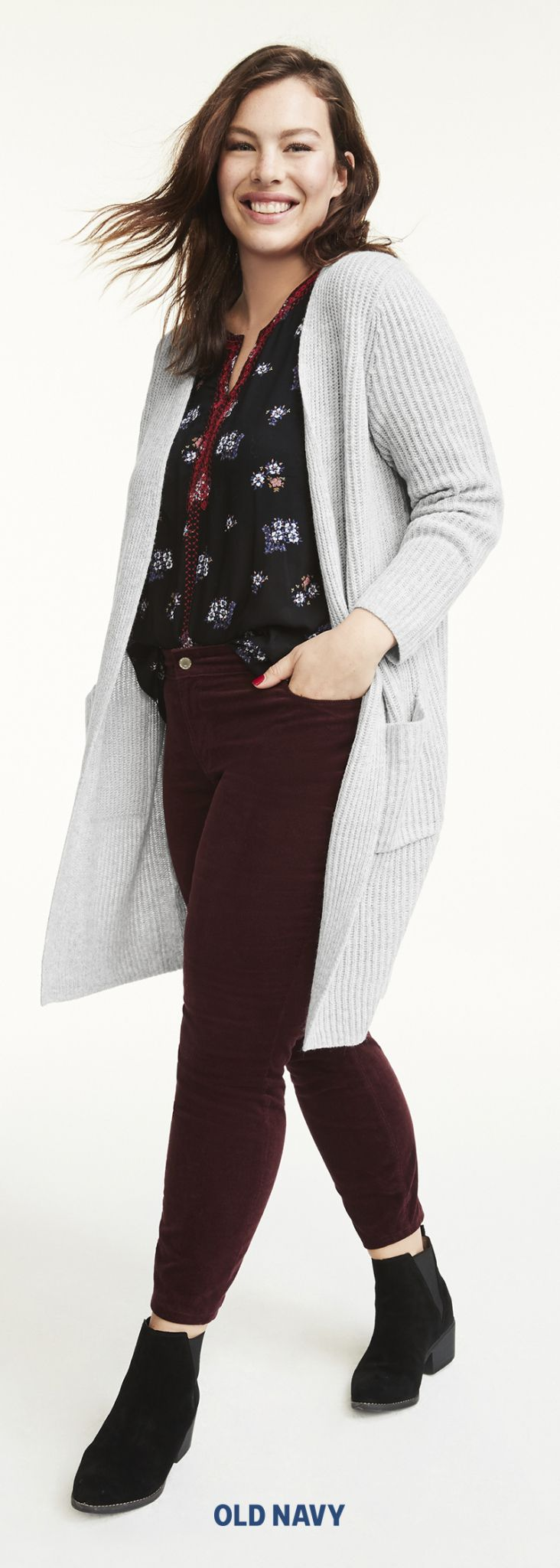 Play up a romantic dark-floral print by choosing a pair of Rockstar jeans in the same color family. Nothing feels more autumnal than this rich garnet shade that can *almost* be considered a neutral.