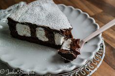 jankes*soulfood : Nachgebacken: Schoko-Schaumkuss-Tarte aus der Lecker Bakery! Schokoladenkuchen mit Schaumküsse gebacken. Klingt interessant!