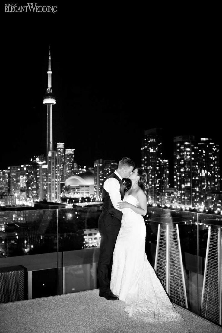 1920s inspired black and gold wedding at Thompson Toronto.