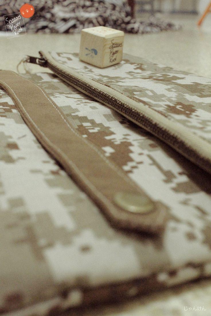 camotch - Simple grab handle Clutch                         camo pixel ribstop cotton