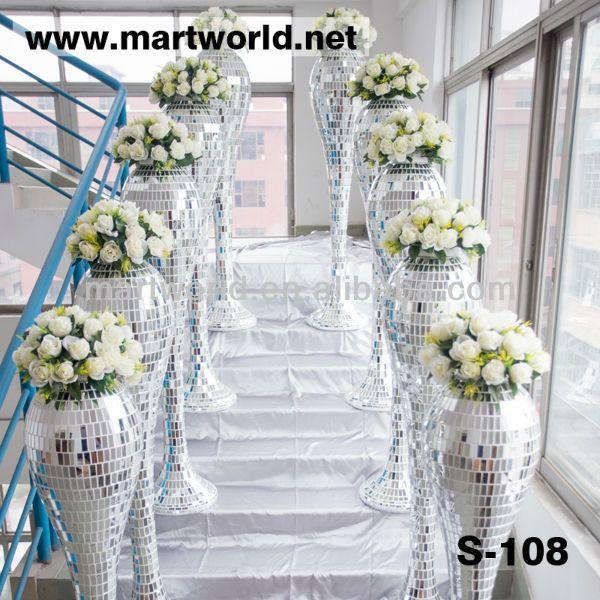 Mirror And Resin Wedding Pillar How Nice Would These Be As Aisle D Cor Wedding Pillarschurch Weddingdecorations For