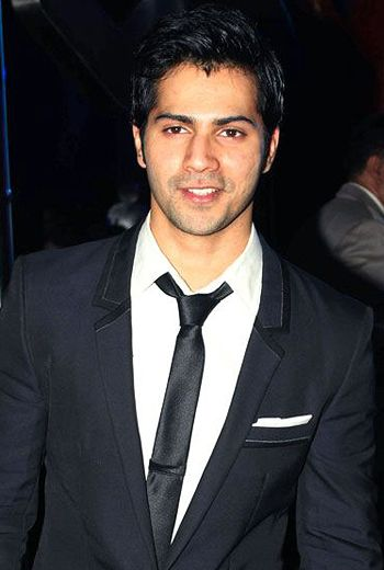 All about Varun Dhawan wiki age his family baground biography wedding girlfriend facebook twitter hot potos  latest pictures full news about him body