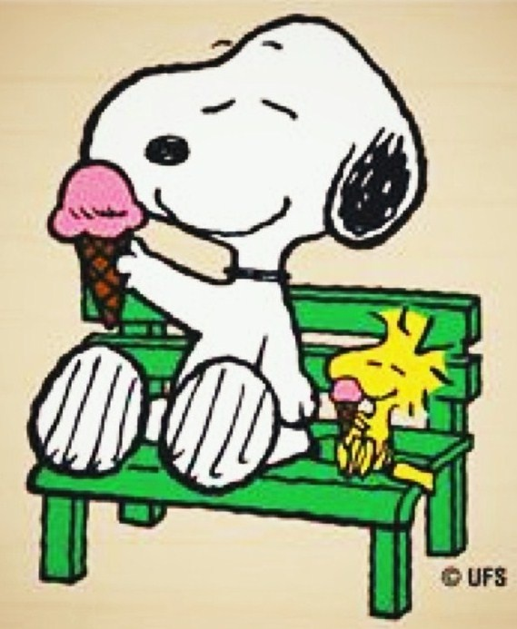 Snoopy and Woodstock with ice cream