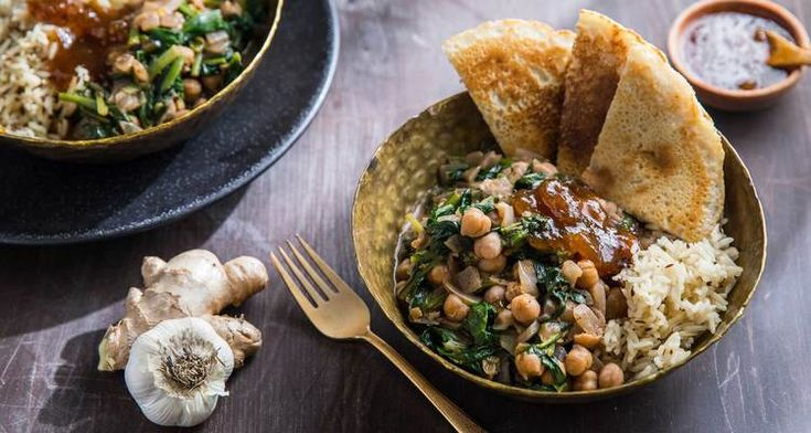 Chickpea Saag with Naan and Mango Chutney