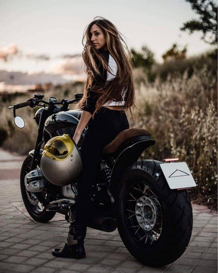 6635 best elle portait des culottes des bottes de moto. Black Bedroom Furniture Sets. Home Design Ideas