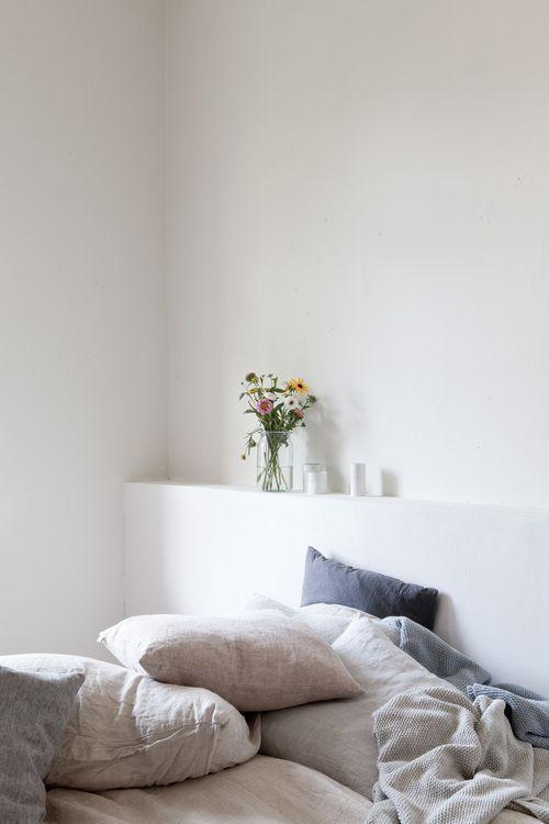 Simple minimalist bedroom home pinterest bed linens for Minimalist bedroom pinterest