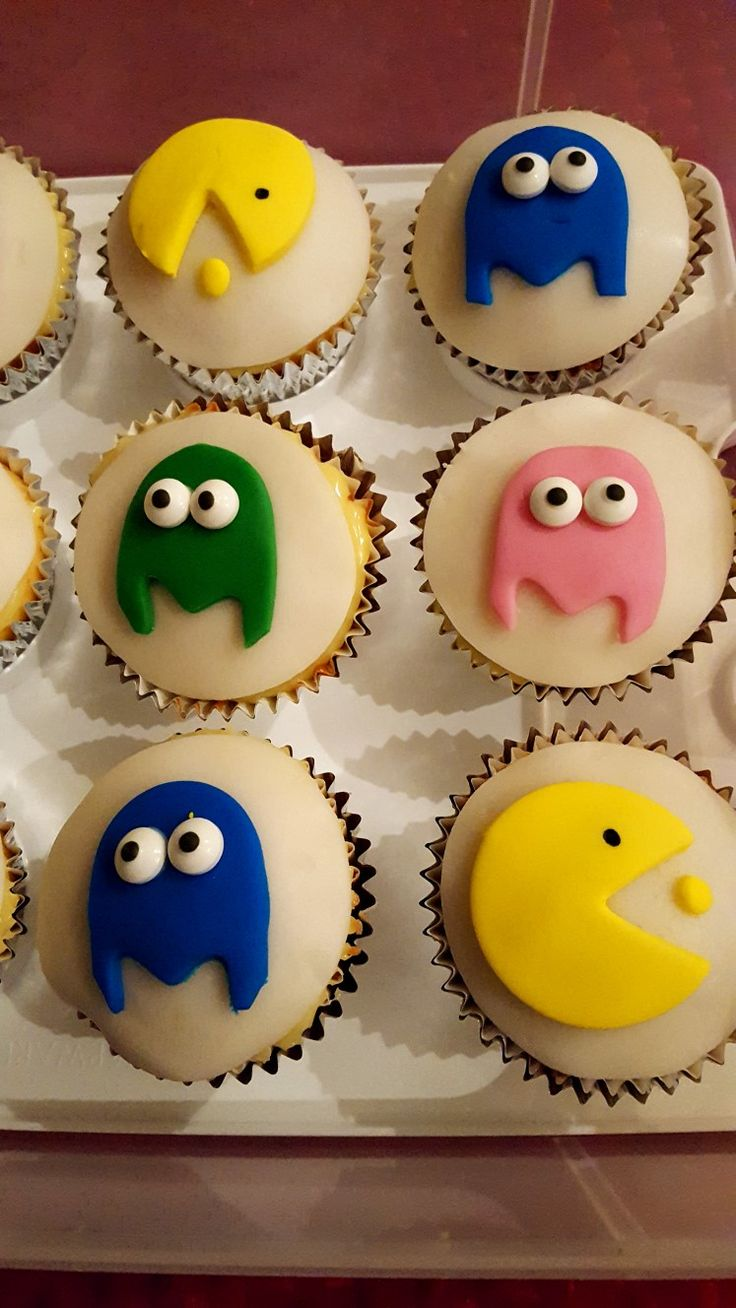 Pacman and Ghost cupcakes