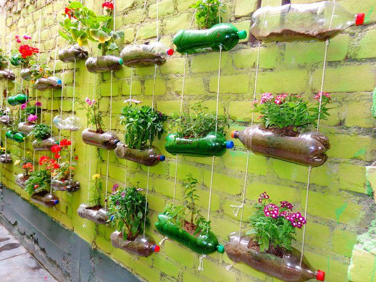 huerto vertical con material reciclado verde que te