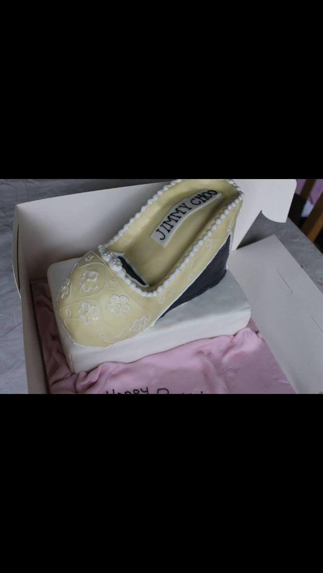 Jimmy choo shoe cake