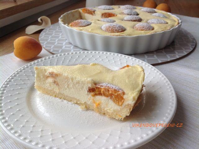 VÍKENDOVÉ PEČENÍ: Tvarohový koláč s meruňkami