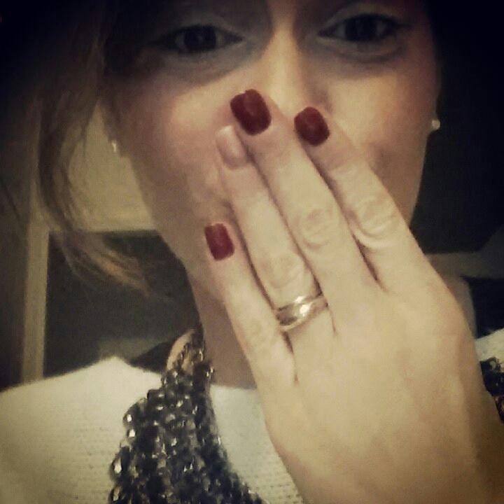Camilla. Copywriter freelance, blogger a tempo pieno, ha un marito nuovo di pacca e una bimba di nome Alice. Grafomane per indole, ha le mani sempre sporche di inchiostro e i pensieri molto chiari nella testa.  (Discover Sojasun Italian Facebook, Pinterest and Instagram Pages!)