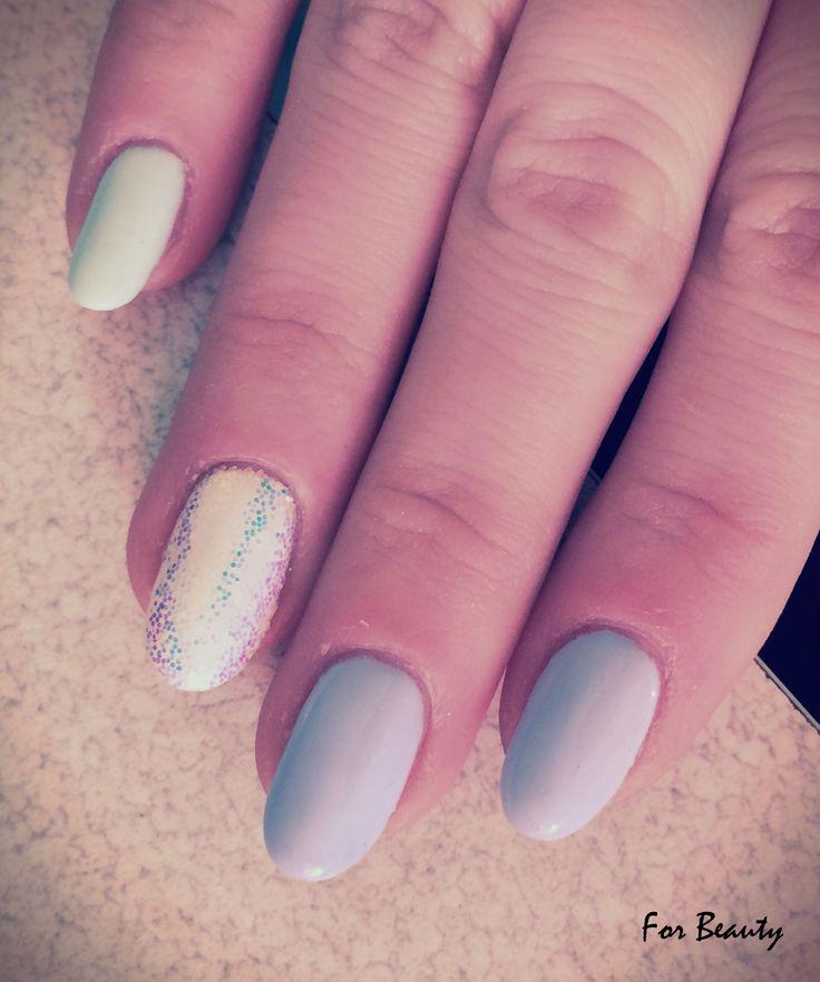 pastelowe paznokcie hybrydowe na wiosnę - salon kosmetyczny For Beauty
