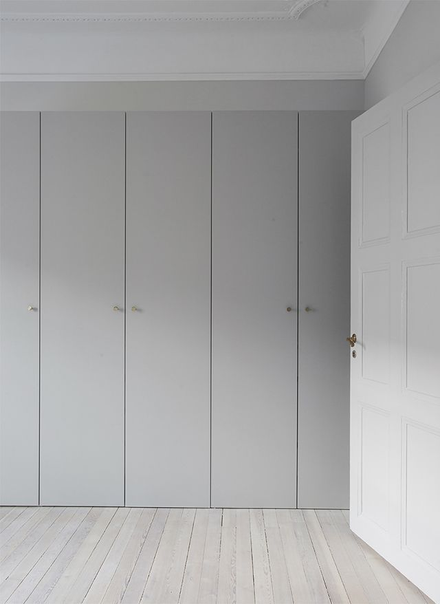 sleek gray closet doors #wardrobe –  http://minimalism.co