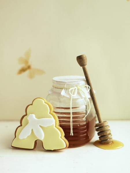 honeybee & hive cookee by Chris CourtCourt Photography, Bees Hives, Decor Cookies, Bees Parties, Bees Cookies, Cookies Cutters, Food Art, Honey Bees, Chris Court
