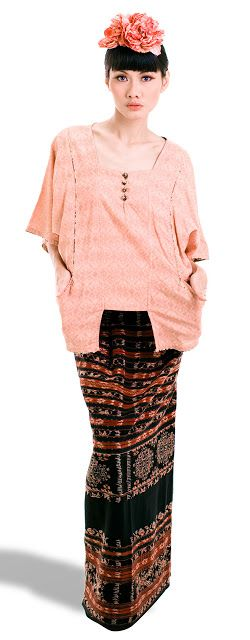 GLOWLICIOUS: 36 Fashion Looks Collection By Oscar Lawalata