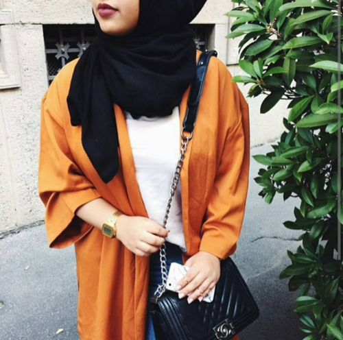 I really like the use of the colour orange. Spot on ♡ #hijab