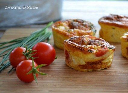 Sans pâte : Mini-quiches au poulet, cheddar, tomates cerise et ciboulette